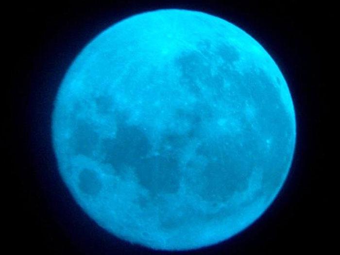 lua-azul