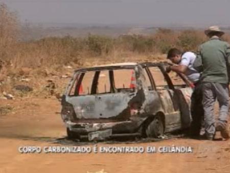 Região é conhecida por ser usada como desova de carros roubados