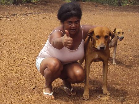 """""""Ele é meu herói"""", diz a dona de casa Isabel Ferreira de Oliveira sobre o cachorro Rex"""