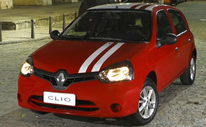 A Renault apresentou o novo Clio, modelo reestilizado, mas que continua com desenho um pouco antiquado em relação ao carro vendido na Europa.Por aqui, em...