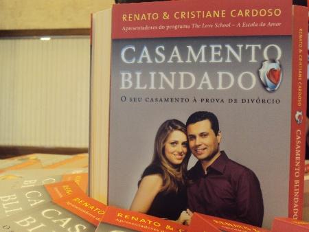 """Livro """"Casamento Blindado"""", de Ricardo e Cristiane Cardoso, ensina a construir um relacionamento de sucesso"""