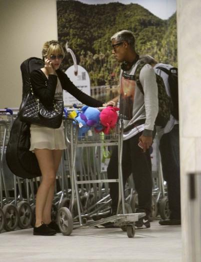 Após fim de namoro, Sophia Abrahão e Micael Borges são vistos ...