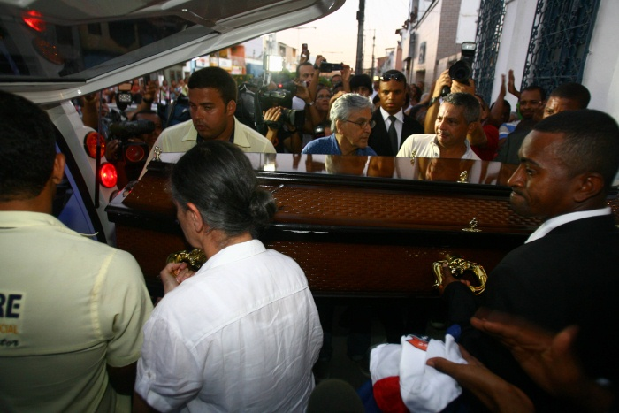 Enterro do corpo de Dona Canô será nesta quarta (26) - Famosos e ...