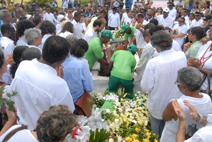 donacano-sepultamento