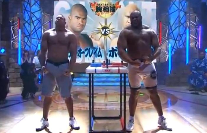 Gigantes do MMA duelam em competição de queda de braço; veja ...