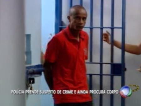 Marcelo Francisco Cerqueira, de 39 anos, é suspeito de matar a jovem. Ele foi encontrado em casa e não resistiu à prisão