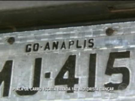 Vacilou no português: homem é preso no DF após errar nome de cidade em placa de carro roubado