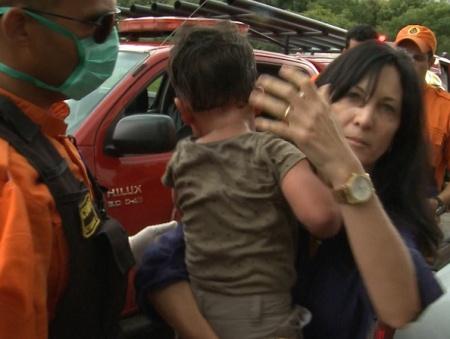 Criança deixada em carro fechado e no sol pode morrer em duas horas