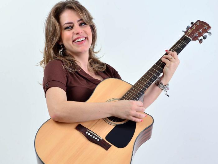 Longe do Rouge, Lu Andrade investe em carreira solo - Música - R7