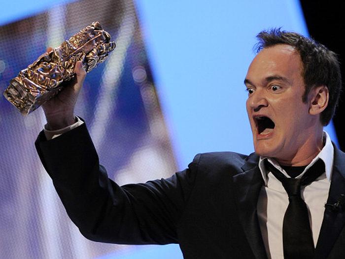 Quentin Tarantino recebendo prêmio Cesar