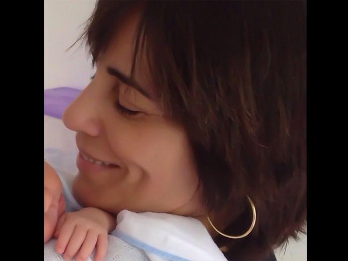"""Neto de Cristiana Oliveira recebe visita de Glória Pires: """"Tia Glorinha"""""""
