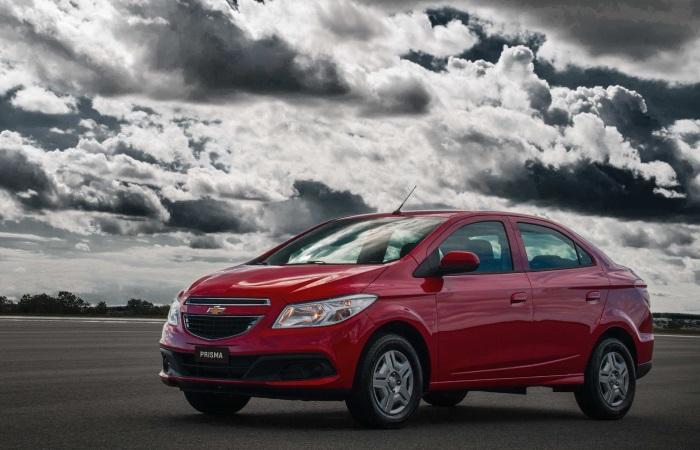 A Chevrolet apresentou à imprensa nesta semana a nova geração do Prisma. Antes baseado no Celta, o sedã compacto agora é derivado do Onix, beneficiando-se ...