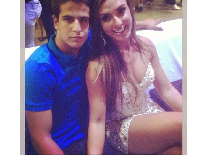 Enzo e Nicole Bahls