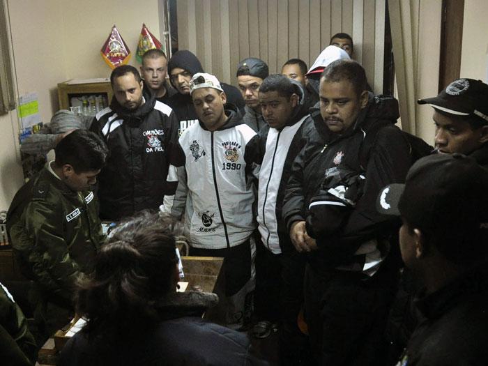 presos-bolivia-oruro-corinthians-efe