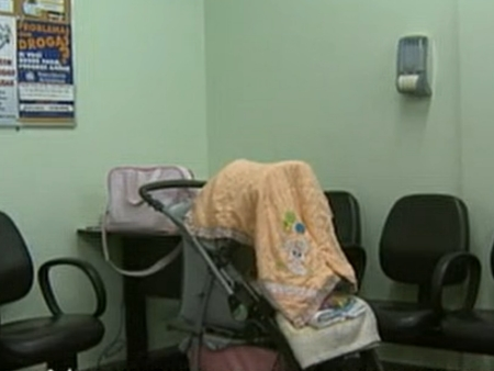 Bebê de quatro meses é abandonado pela mãe