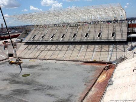 Corinthians só joga no Itaquerão em 2015, diz Andrés Sanchez