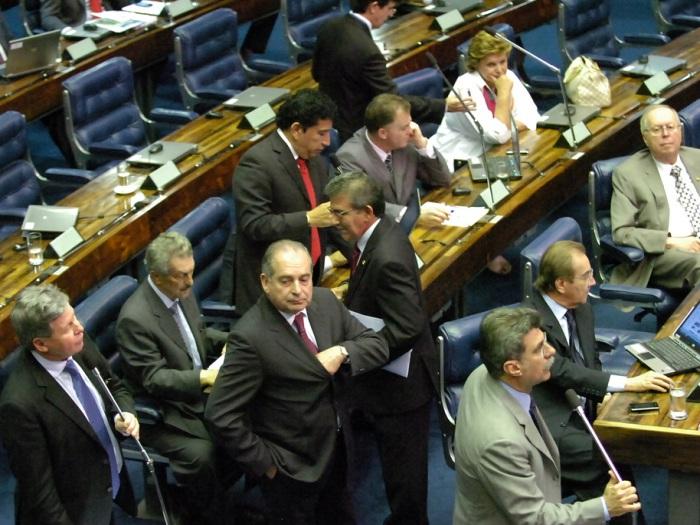 senadores-agenciaestado-20110325
