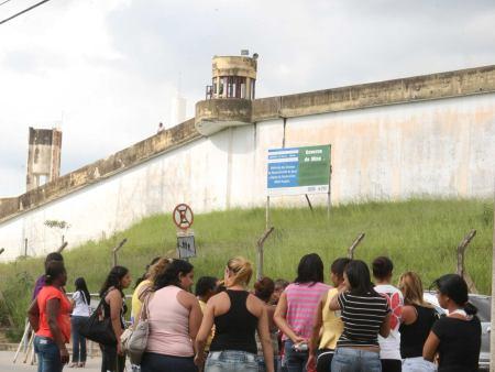 penitenciaria-hg-20110426
