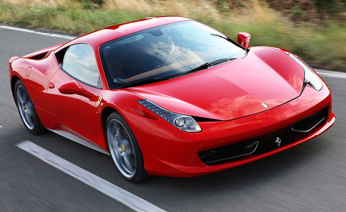 Que tal dar umas voltas no circuito de Fiorano, pista de testes da fábrica italiana, a bordo de uma Ferrari 458 Italia e com, ninguém menos que, o bicampeã...