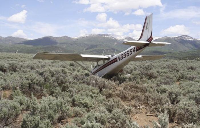 Avião EUA 700 450