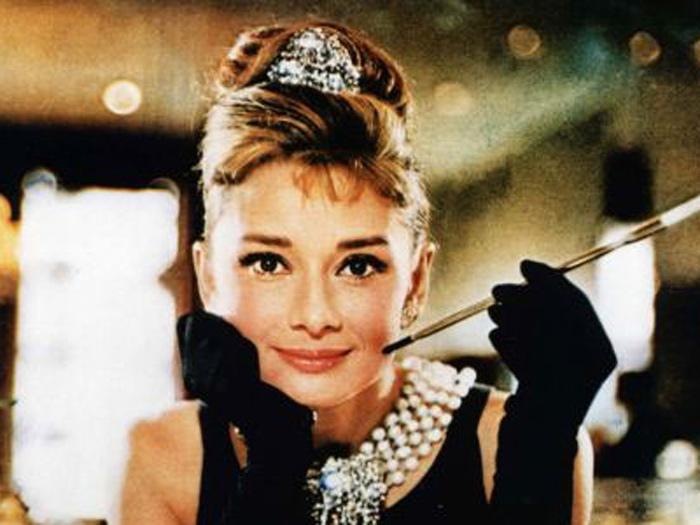 Academia comemora 50 anos de Bonequinha de Luxo - Cinema - R7