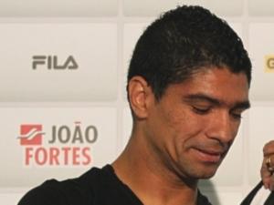 Meia Everton se machuca e abre brecha para Renato ser utilizado