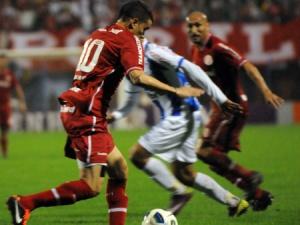 Fora de casa, Inter bate Avaí e quebra sequência de derrotas