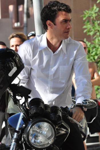 Nesta quarta-feira (27), comemora-se o Dia do Motociclista, este apaixonado porvelocidade em duas rodas! Na TV, o motoqueiro sempre tem vez e é associado ...