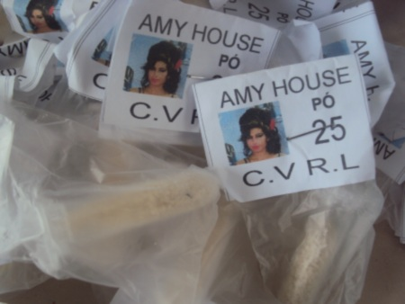 Amy Winehouse used to sell cocaine in Brazil. Packages seized by Military Police