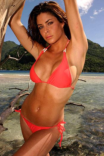 Confira também: Rival de Larissa Riquelme contra-ataca e faz ensaio sensual com a camisa do Paraguai