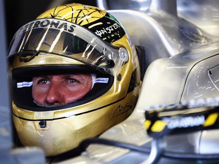 Com volta antes da chuva, Schumacher lidera primeiro treino livre ...
