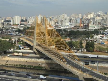 http://i2.r7.com/ponte-estaiada-tiete-hg-20110907.jpg