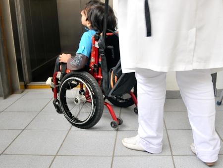 Jovens deficientes escolas
