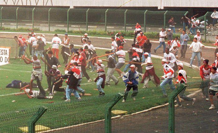 Briga torcidas Pacaembu 1995