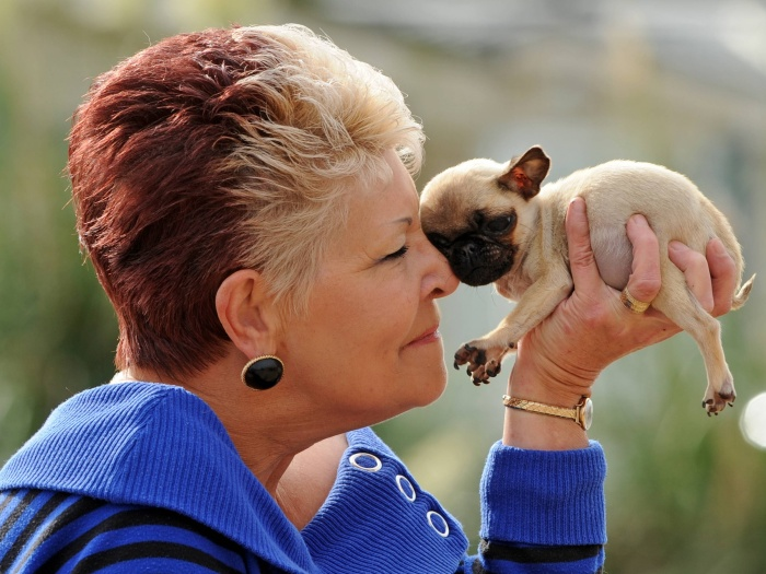 Sandra Devall é a dona da cachorrinha. Elas vivem emGreat Yarmouth, Norfolk, no Reino Unido