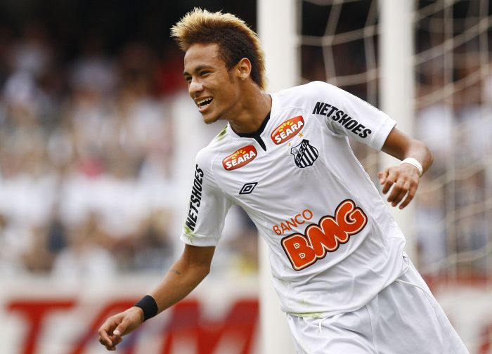 Neymar é o sexto maior artilheiro da temporada 2011, segundo IFFHS