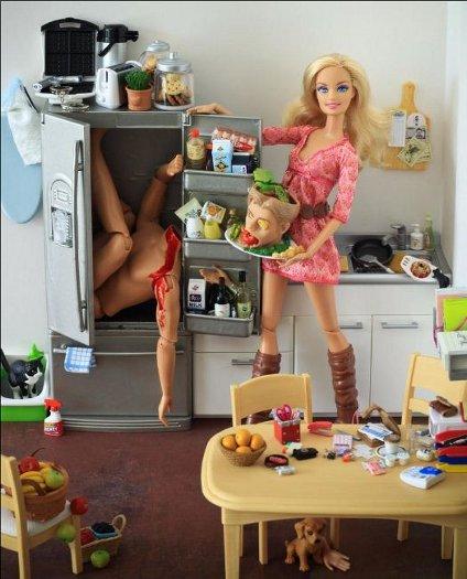 Barbies mostram seu lado obscuro - Foto 1 - Esquisitices - R7