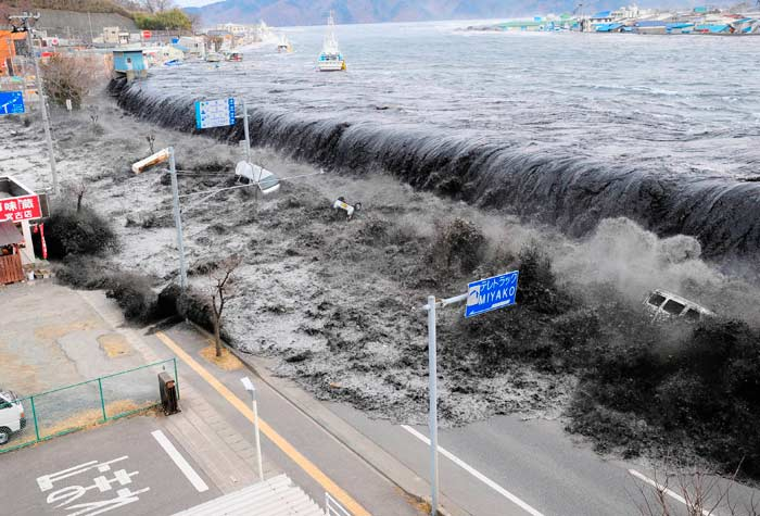 11.03.2011/Mainichi Shimbun/Reuters