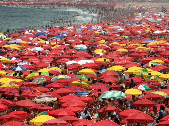 praia-ipanema-lotada