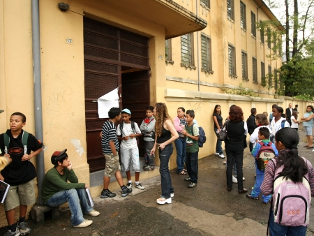 http://i2.r7.com/volta-aulas-estado-sp-HG-20120131.jpg