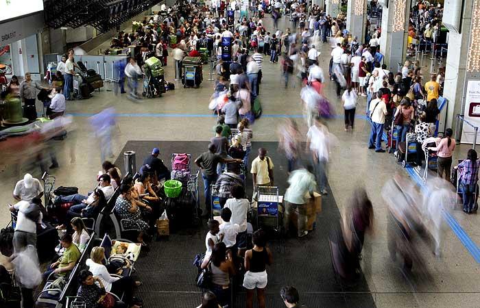 aeroporto guarulhos saguão - 700 x 500