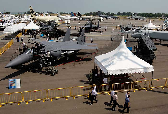 Feira mostra lançamentos da aviação civil e militar - Foto 1 ...