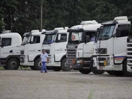 Greve de caminhões (GASOLINA) Caminhoes-g-20120306