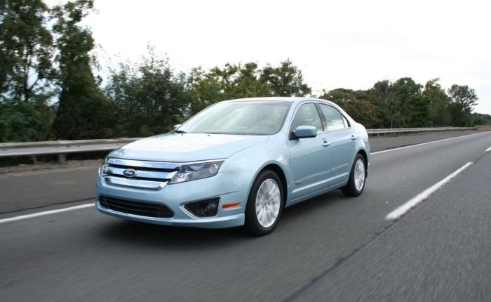Ford Fusion 2.5 Hybrid (gasolina/elétrico): 13,8 km/l (cidade) e 13,1 km/l (estrada)