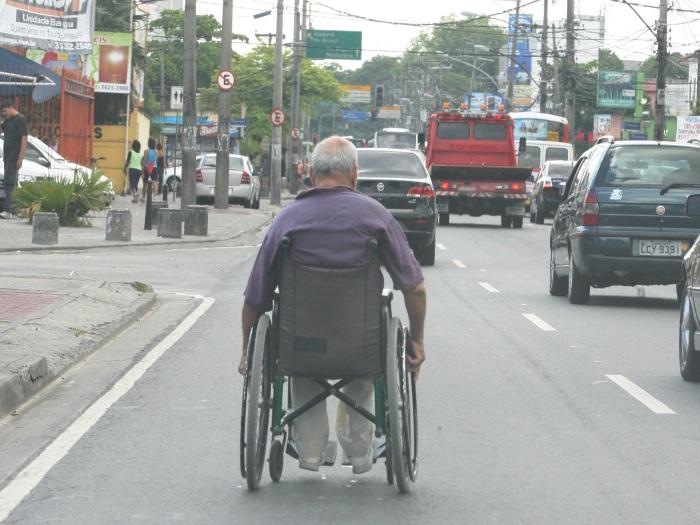 ONG oferece masturbação a deficientes físicos  Cadeirante-valeessa2