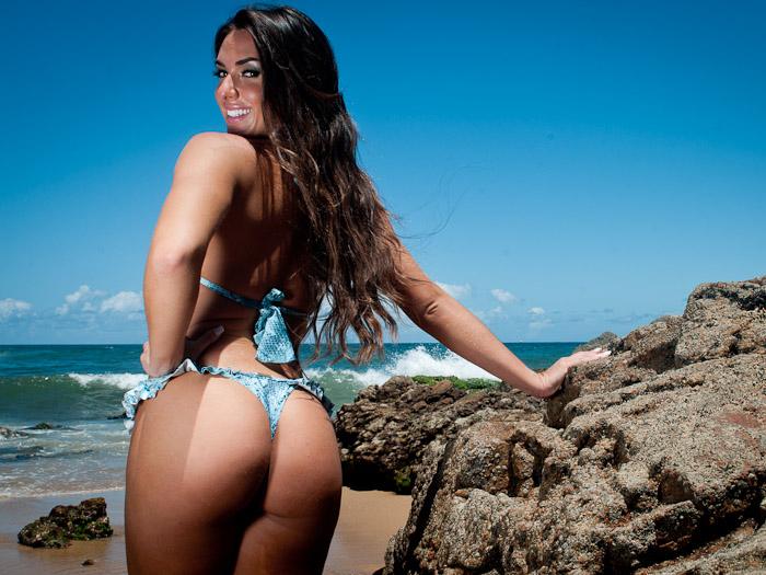 ... Bahls fica seminua em ensaio na Bahia - Foto 1 - Famosos e TV - R7