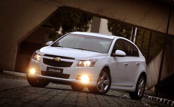 """""""Carro esportivo é diferente de carro com esportividade"""". As palavras do diretor de marketing da General Motors do Brasil, Gustavo Colossi, ficaram batendo..."""