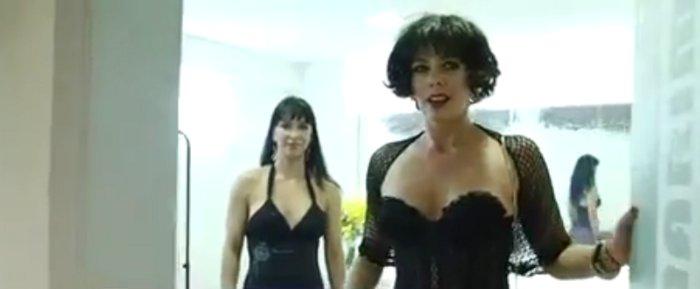 Adriane Galisteu vira prostituta por uma noite - Famosos e TV - R7