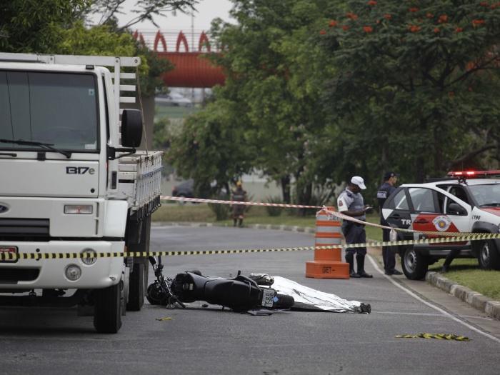acidente-moto-g-20120601