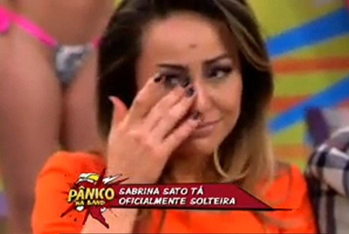 Sabrina Sato chora ao vivo com fim de namoro - Famosos e TV - R7
